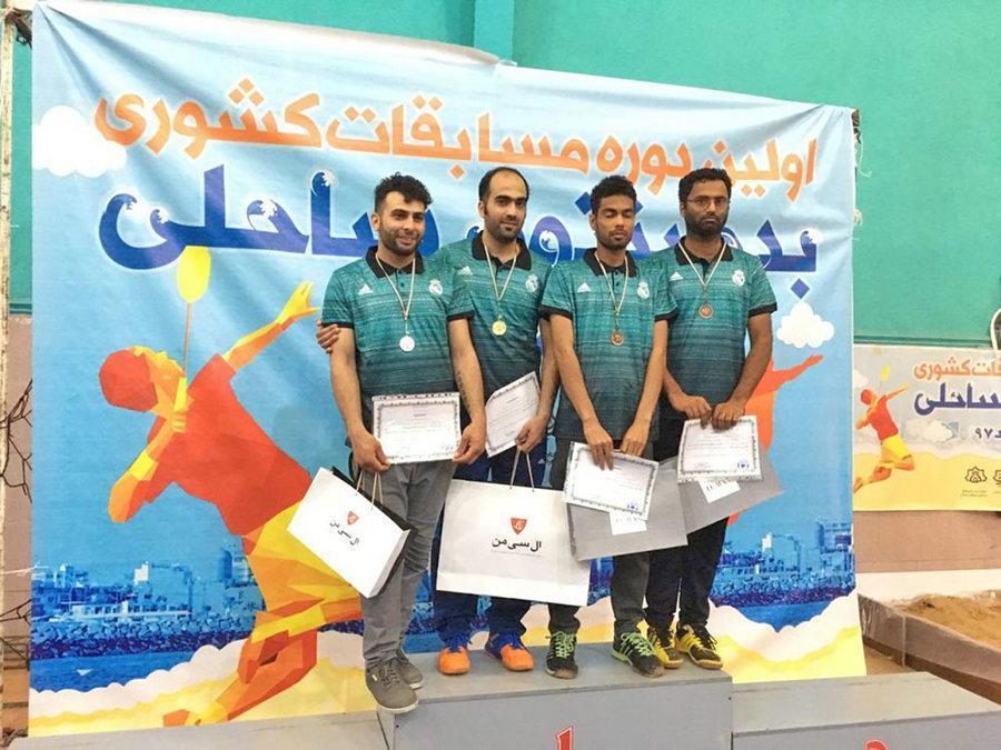 امید سپهریان به مقام قهرمانی مسابقات بدمینتون ساحلی کشور دست یافت