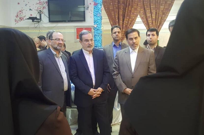 بطحایی با مددجویان به تماشای شهرآورد پایتخت نشست