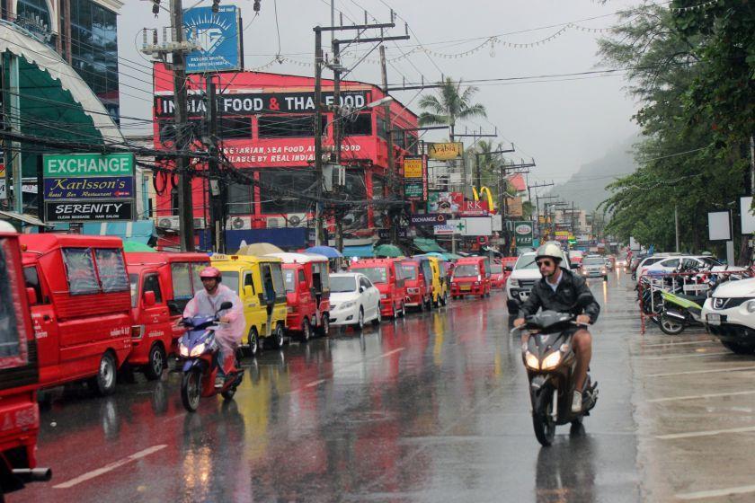آشنایی با حمل و نقل عمومی در پوکت، تایلند