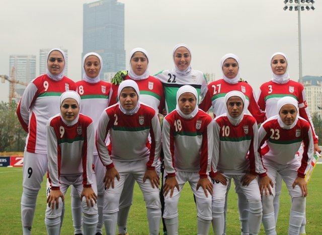 دختران ایرانی سنگاپور را شش تایی کردند