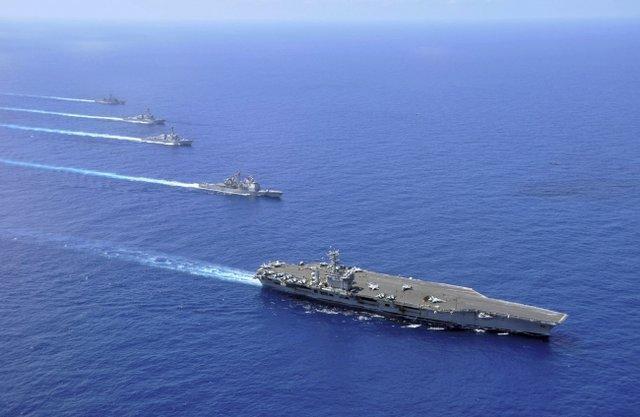 مانور نظامی نیروی دریایی چین در دریای چین جنوبی
