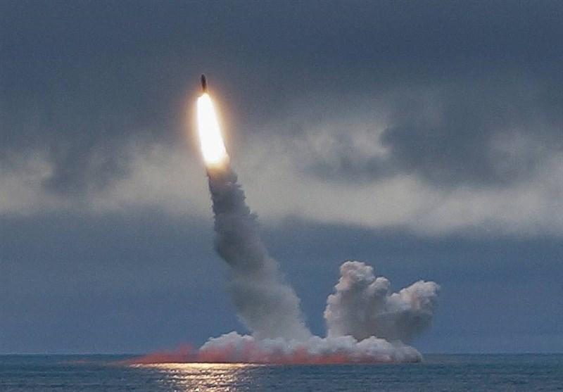 پرتاب موشک بالستیک بولاوا از زیردریایی راهبردی روسیه