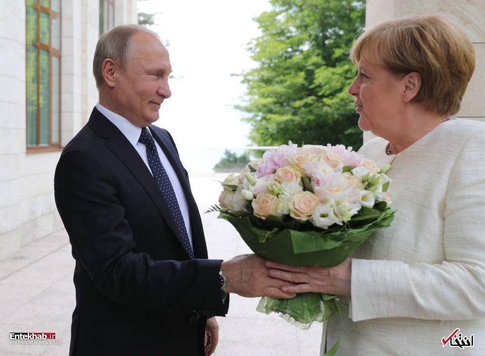 تصاویر : دسته گل های سیاستمداران