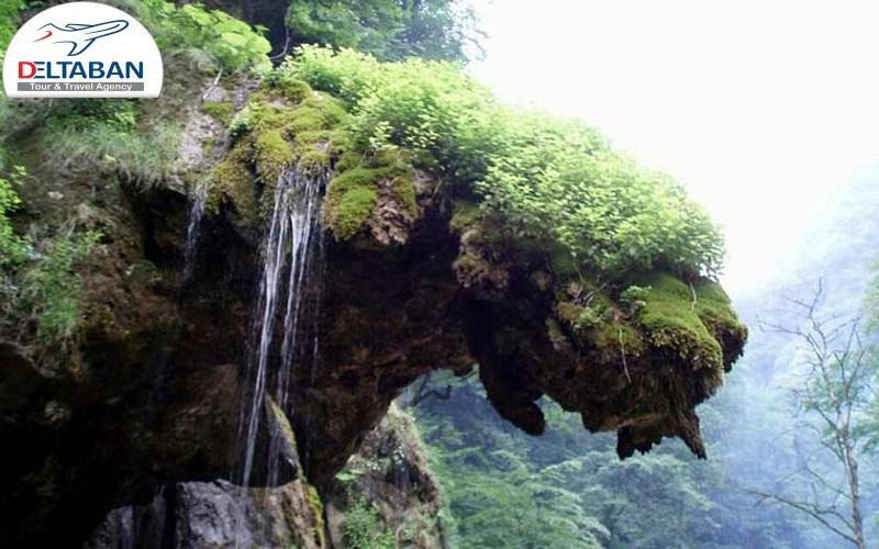 چشم انداز زیبای آبشار شصت کلاته