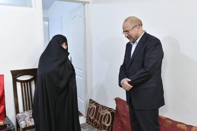 ملاقات رئیس مجلس با خانواده شهید مدافع حرم جواد الله کرم
