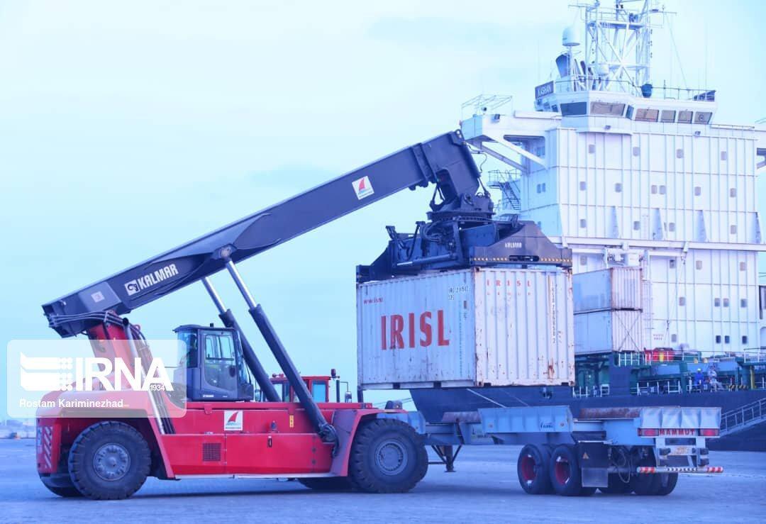 خبرنگاران پنجمین کشتی حامل گندم اهدایی هند به افغانستان در چابهار پهلو گرفت