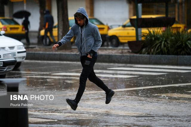 هشدار هواشناسی نسبت به وقوع رگبار و رعد و برق در غرب کشور