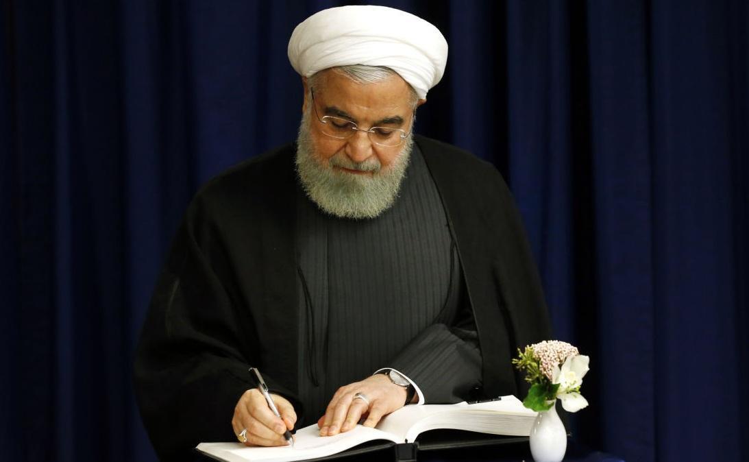 روحانی درپیامی درگذشت مادر شهیدان کردگاری را تسلیت گفت