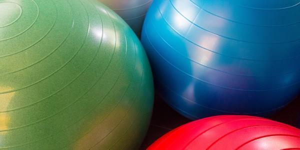 آموزش حرکات پیلاتس با توپ (تصاویر متحرک)