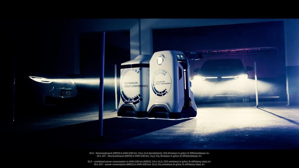 شرکت فولکس واگن اعلام نمود در حال توسعه طرح ربات های شارژ خودروی خود است