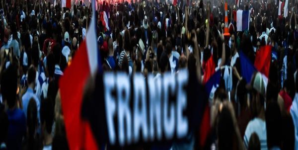 تظاهرات در پاریس علیه محدودیت های کرونایی خبرنگاران