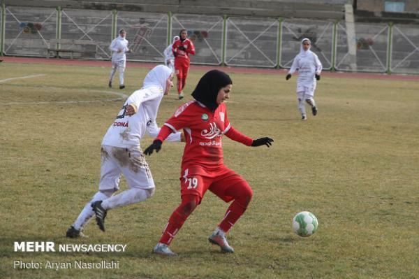 توقف خانگی بانوان فوتبالیست کردستانی