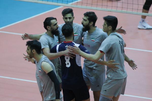 ایرانی متفاوت در لیگ ملت های والیبال، کار سخت شاگردان آلکنو در ایتالیا