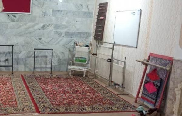 گلیم بافی در شهرستان چناران احیا شد