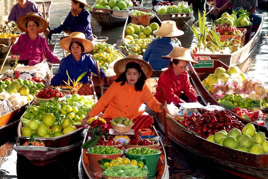 بازاری شناور در تایلند